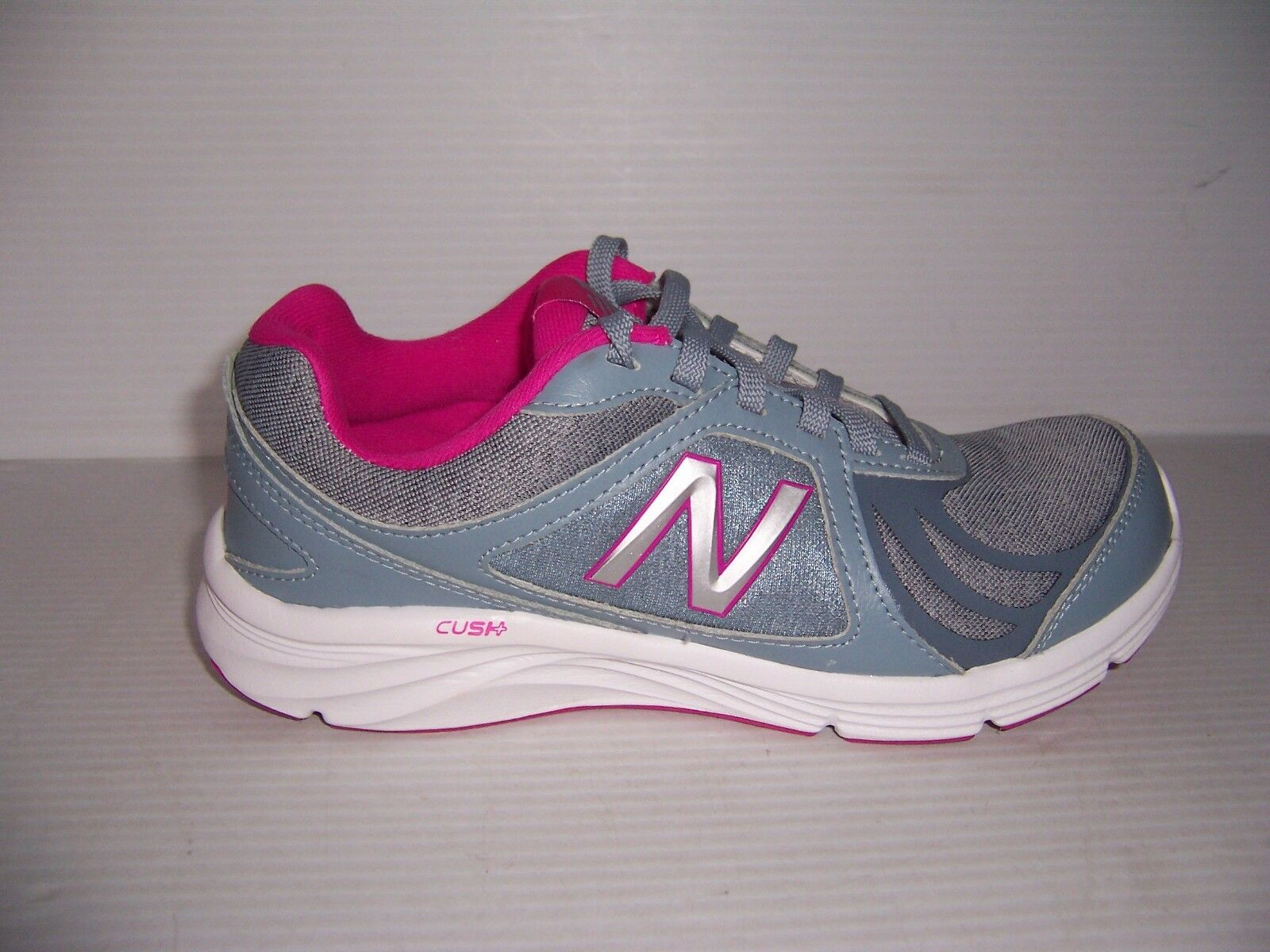 NEW BALANCE WALKING MARCHE WOMENS GRAY PURPLE WALKING SHOES VARIOUS SIZES NEW