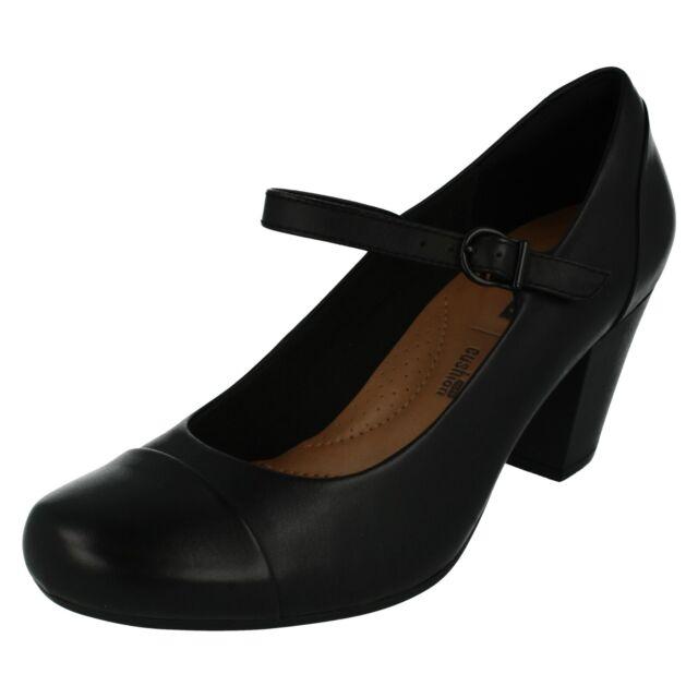 Ladies Clarks Leather Buckle Strap Court Shoe D Fit Garnit Tianna