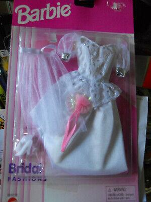2002 Barbie bridal fashions Wedding Dress 68065 Veil Gloves Shoes Floral Bouquet