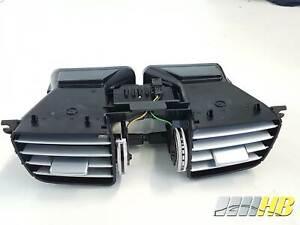 Luftduese-vorne-mitte-in-Armaturenbrett-Mercedes-E-Klasse-W212-A-2128303154