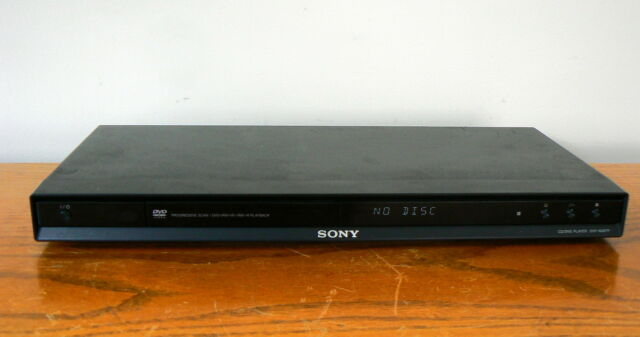 SONY DVP- NS67P DVD PLAYER *