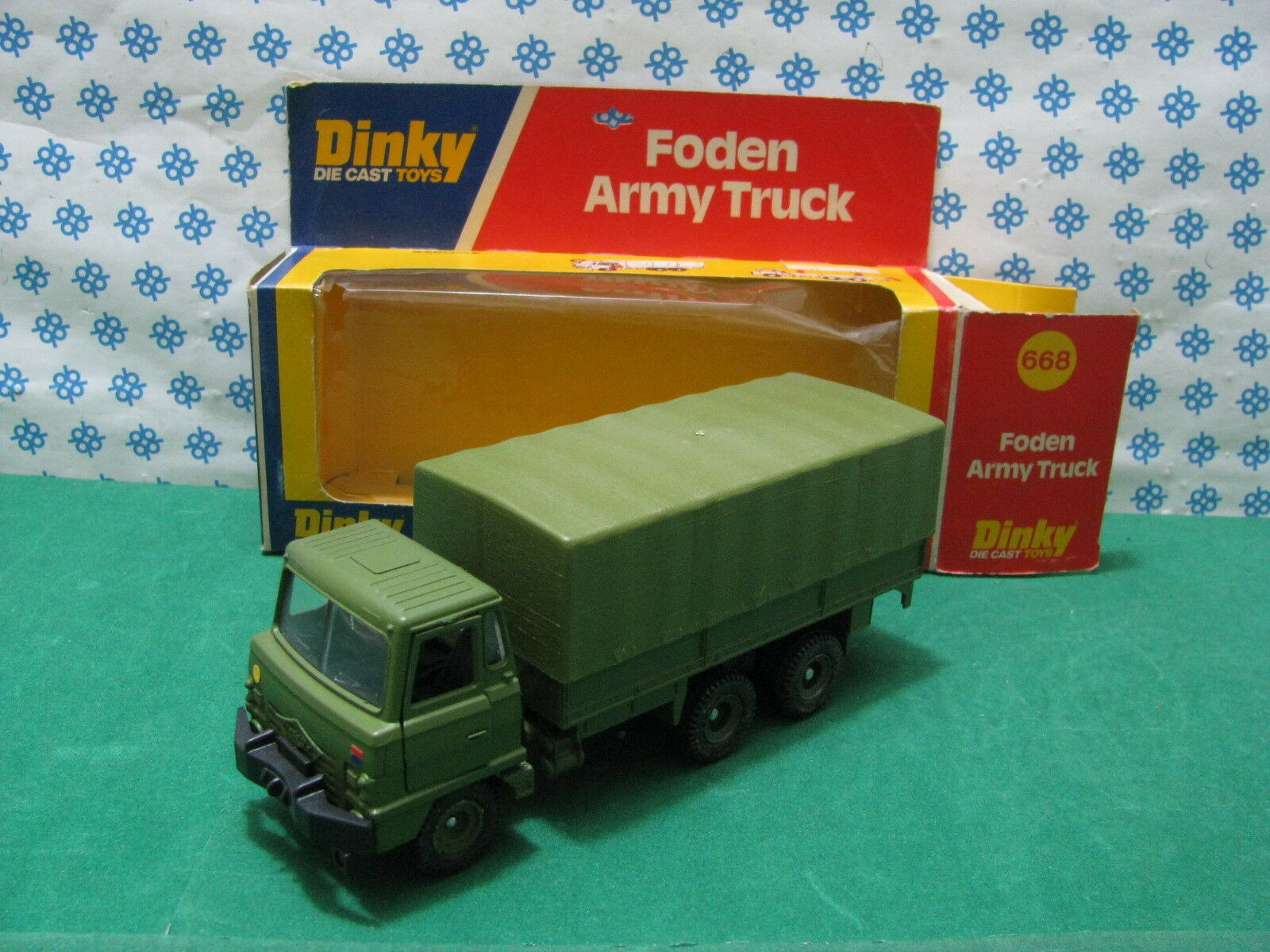 FODEN  ARMY  TRUCK     -   Dinky  Supertoys  668    Mint in Box