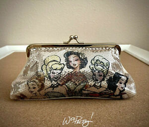 2011-Disney-Designer-Princess-Sequin-Clutch-Belle-Tiana-Cinderella-Aurora-Snow