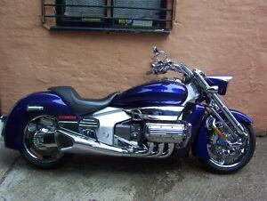2005-HONDA-NRX-1800-RUNE-BLUE-CUSTOM-CHROME-PACK-54-REG-TAXED-TESTED-IN-ESSEX