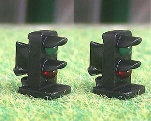 Infatigable Pack Of 2 Oo Gauge Green / Red 3mm Led Dwarf Signals 12 Volt
