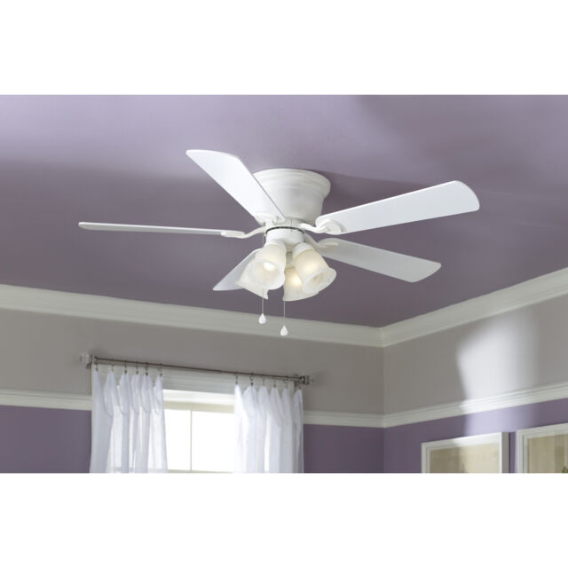 Harbor Breeze 52 In Centreville White Ceiling Fan With Light Kit on