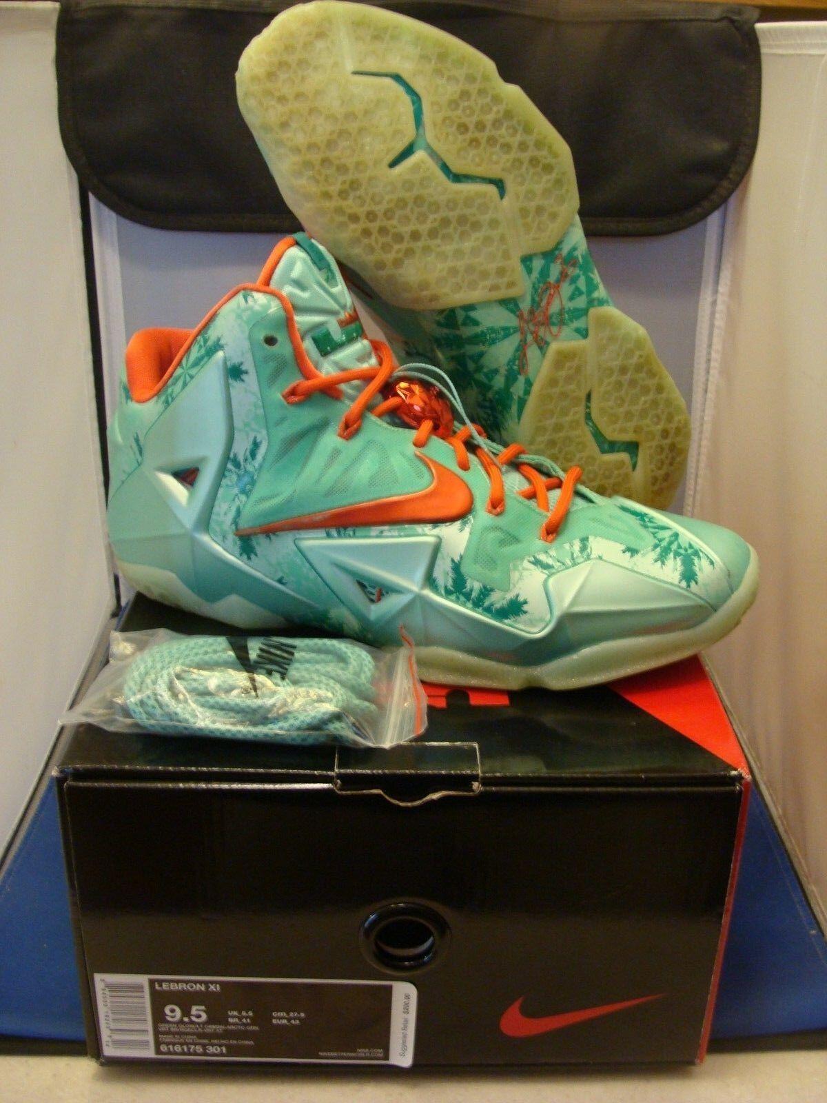 Nike Lebron 11 XI Christmas Size 9.5 Lightly Worn