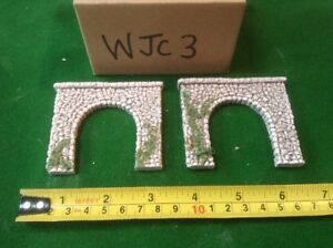2 X Single Track N Scale Tunnels Pebble stone Type- Painted Set With Foliage
