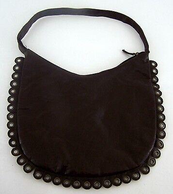 Modische Damenumhängetasche Beuteltasche Leder braun mit Lochösenverziehrung