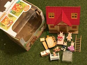 Sylvanian-Families-COSY-COTTAGE-STARTER-HOME-SET-Figure-amp-Furniture-LOTS-EXTRA