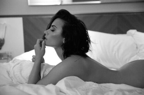 Select Size #010 Demi Lovato NUDE CONFIDENT Photo 4x6 8x10