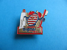Signal Toothpaste pin badge. Good Condition.