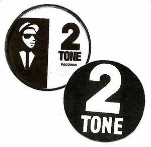 2-2-TONE-BADGES-Two-Tone-Mod-Ska-Specials