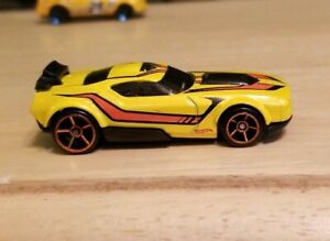 Vintage Yellow Sports Car Mattel Hot Wheels Fast Fish Diecast Toy Orange stripe