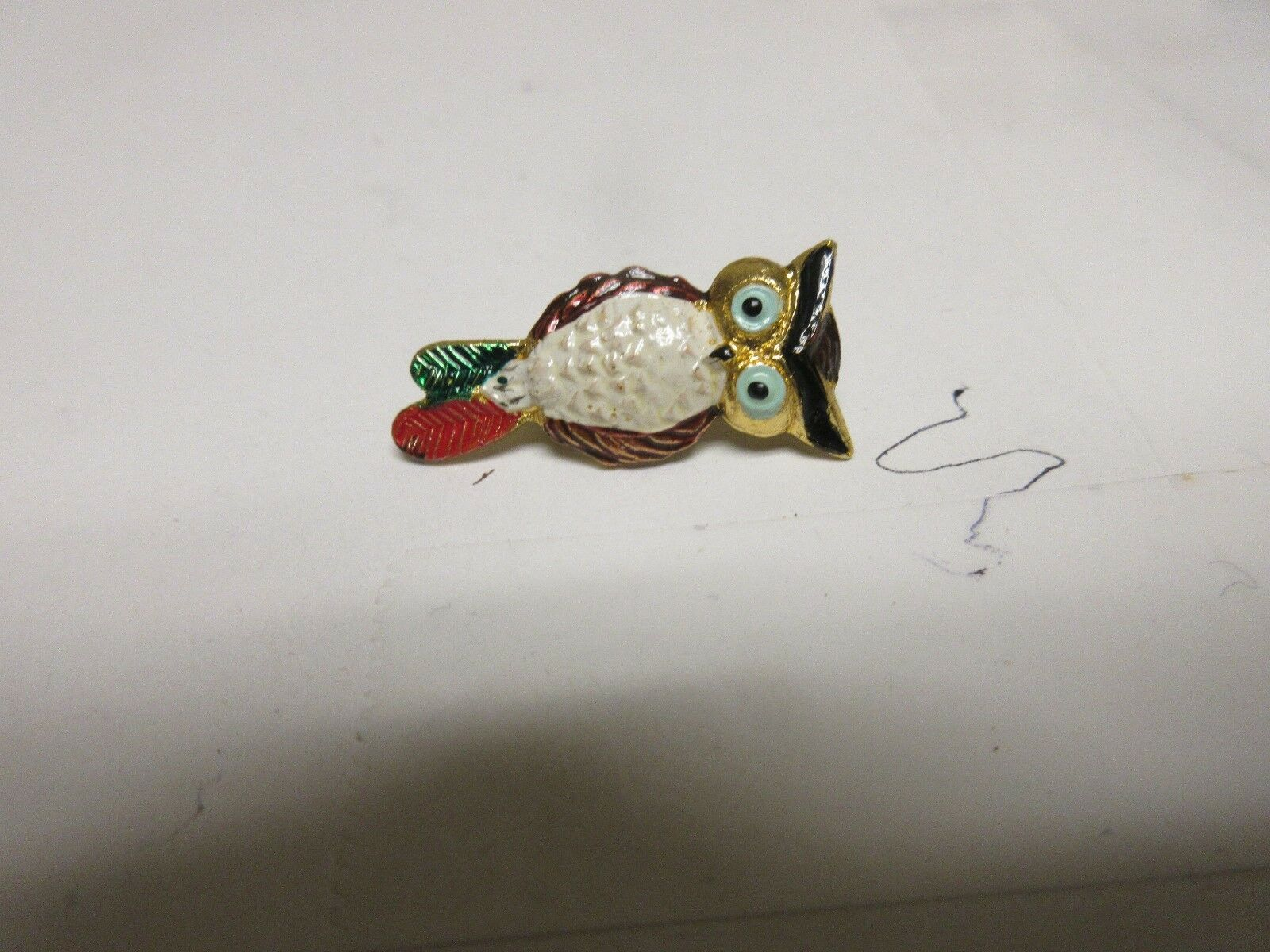 "Costume Jewelry ,Vintage , Pin , Owl 1""x 1/1"" , Gold Le"