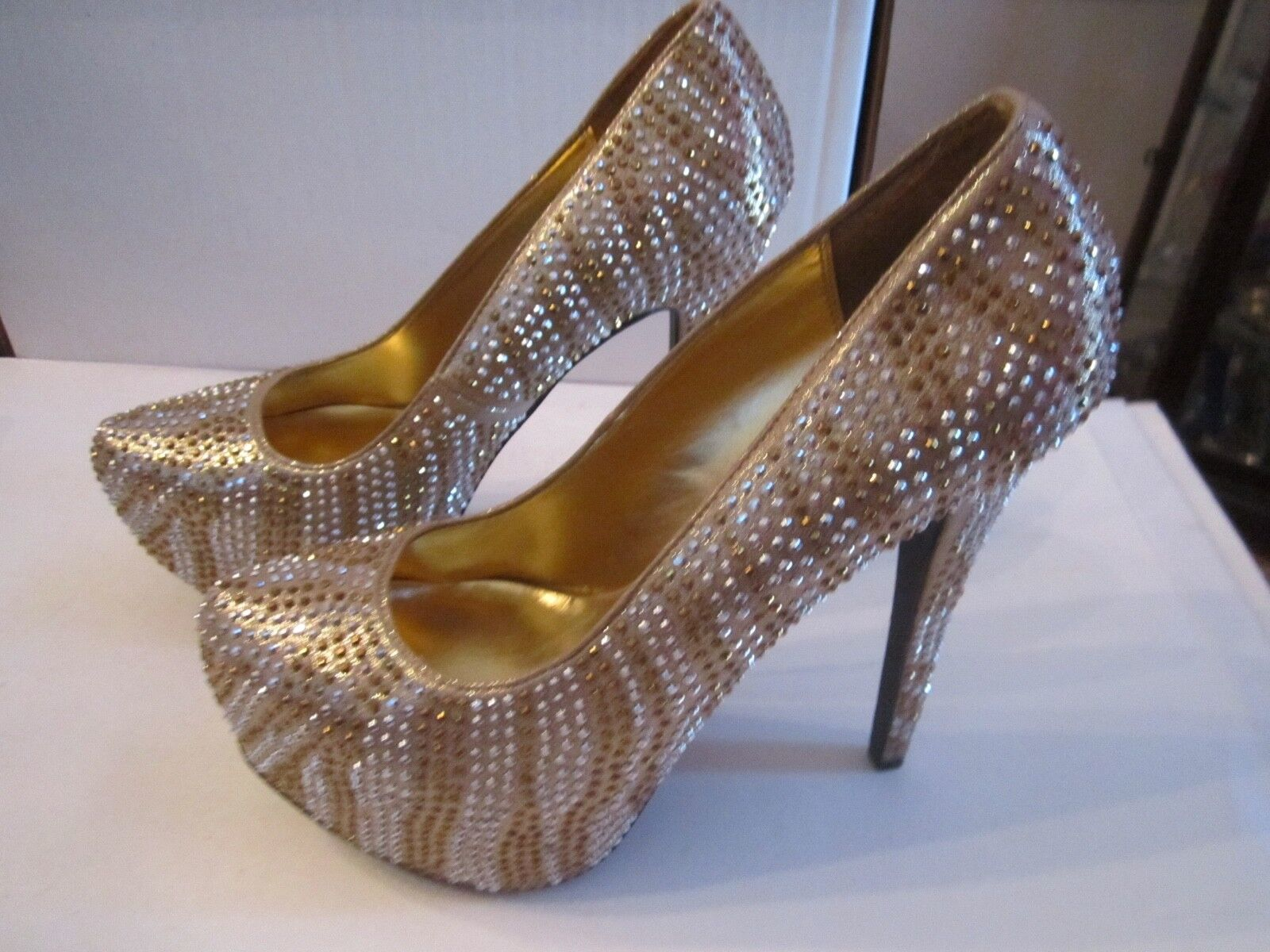 BRECKELLE'S gold CRYSTAL STILETTO'S SHOES - SIZE 9 IN BOX -gold SILVER CRYSTALS