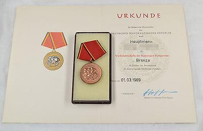 Orig. Ddr Nva Verdienstmedaille Stufe Bronze In Box Mit Urkunde