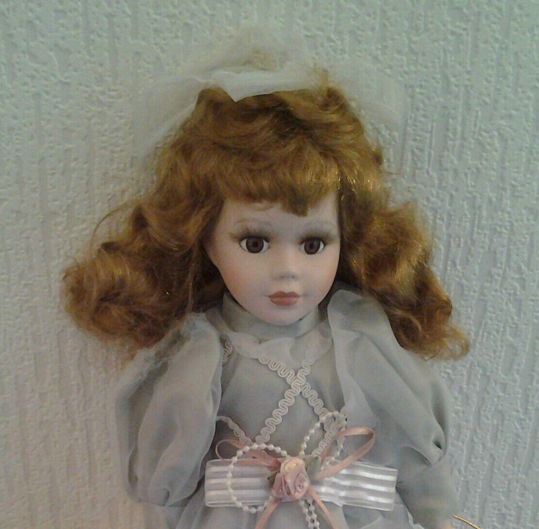 Porcelain Porcelain Porcelain  Doll .........London elite collection c9cbae