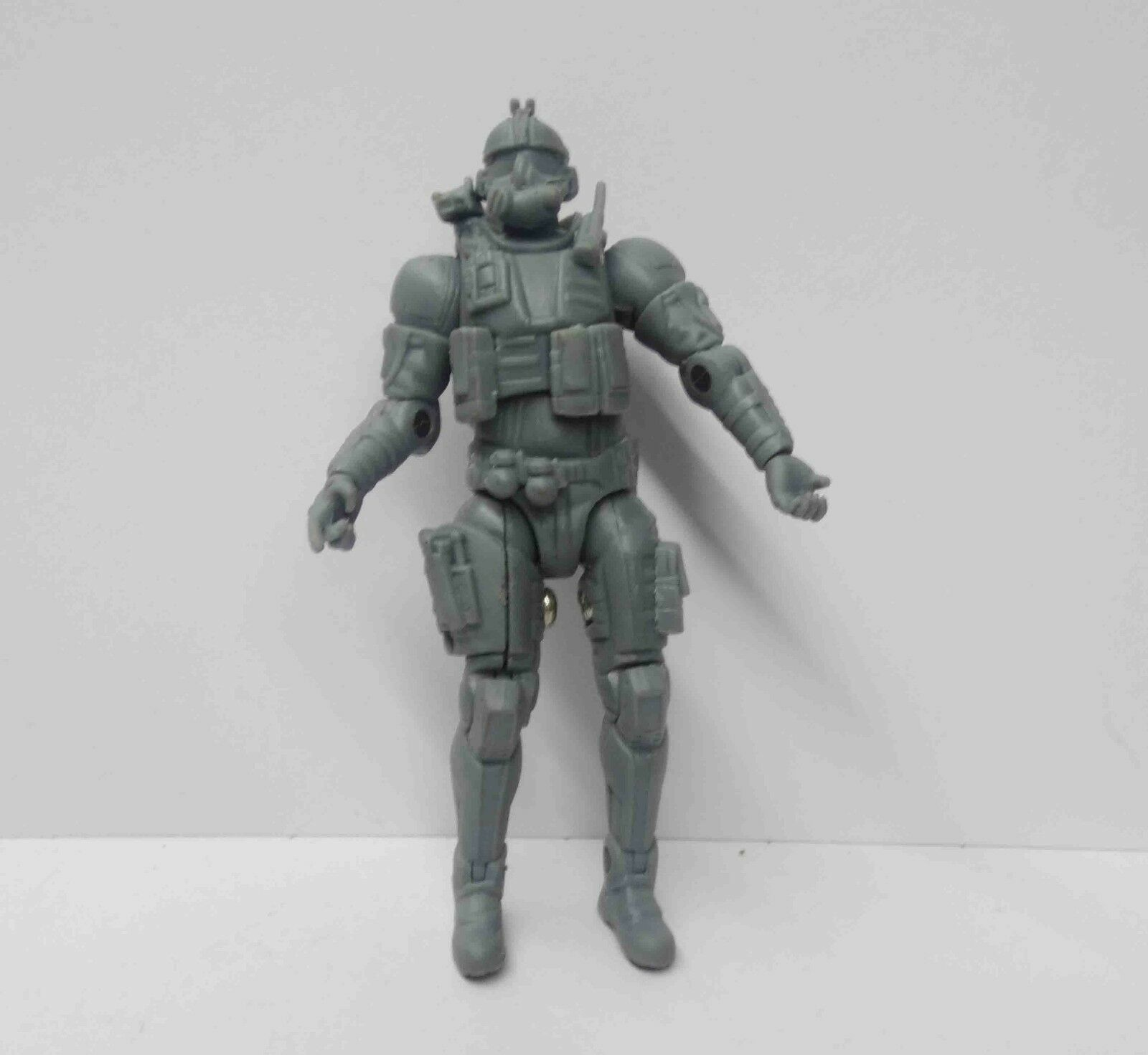 UNIMAX Gamestars Crysis 2 CELL Assault Unit Action Figure 3.75  Predotype