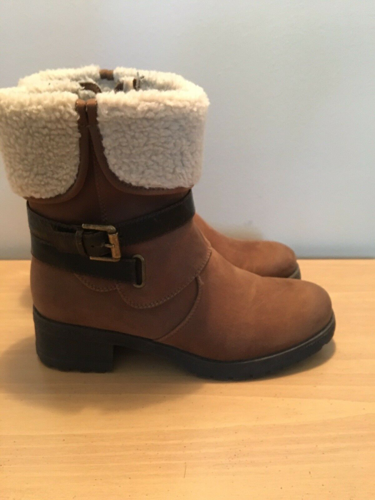 """White Mountain """"Breana"""" Fur Lined Womens Boot Size 7"""
