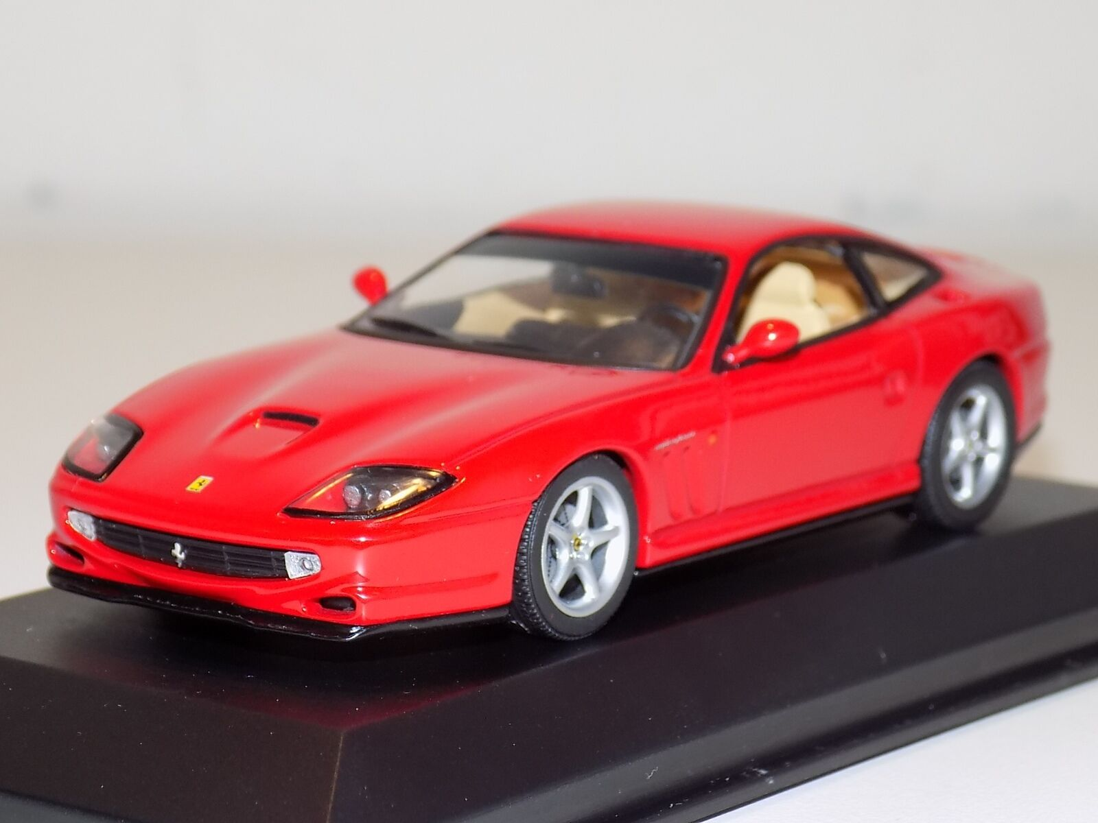 1 43 Minichamps Street Ferrari 550 Maranello 1996 in Red 430 076020