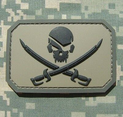 PIRATE SKULL 3D PVC FLAG US ARMY MORALE TACTICAL MILITARY ACU HOOK  PATCH