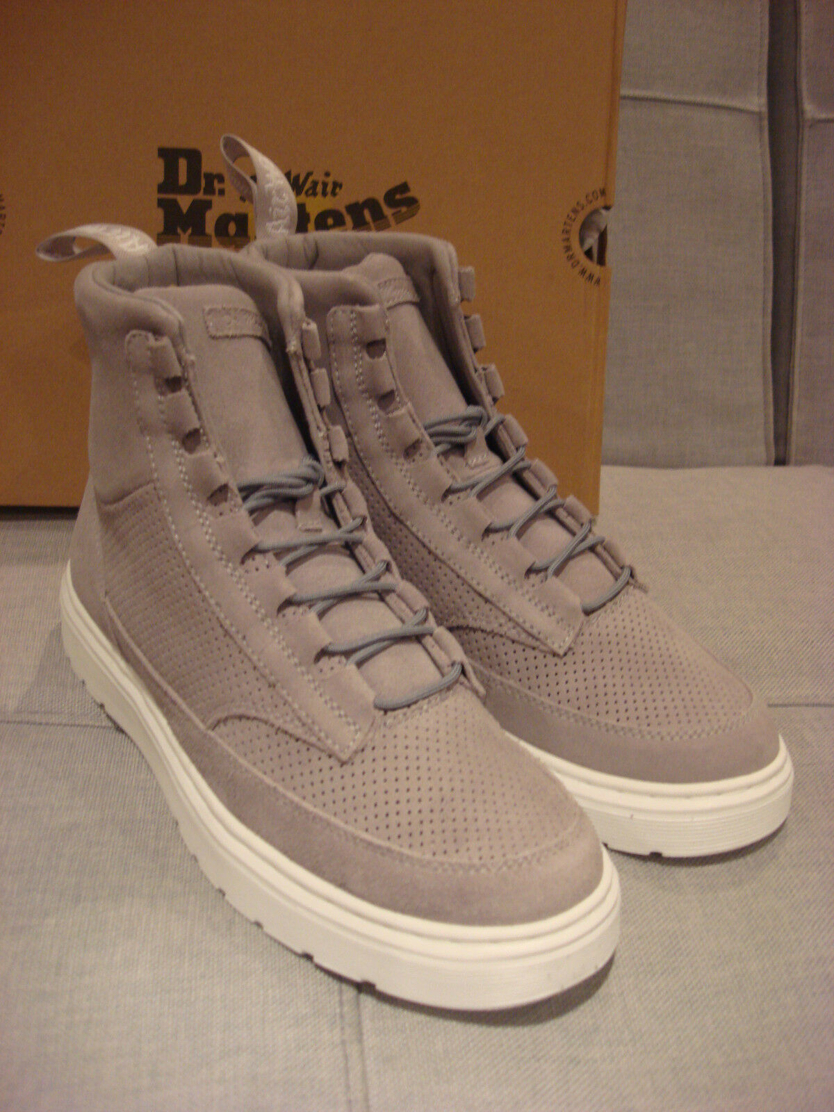 DR. MARTENS MEN'S KAMAR MID GREY 22104053 SHOES BOOTS SIZE 11 - BRAND NEW