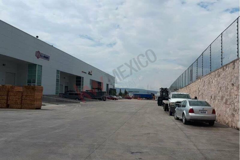 Nave Industrial en frente del Parque Industrial Queretaro