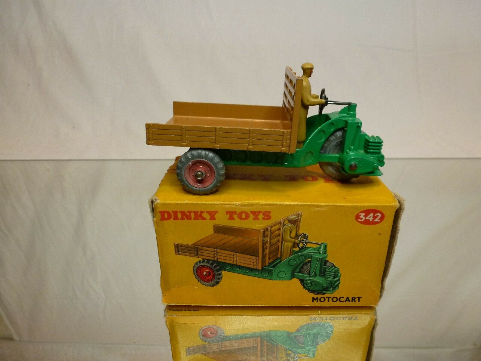 DINKY TOYS 27G 342 MOTOCART - GREEN +  BROWN 1 43 - EXCELLENT CONDITION IN BOX