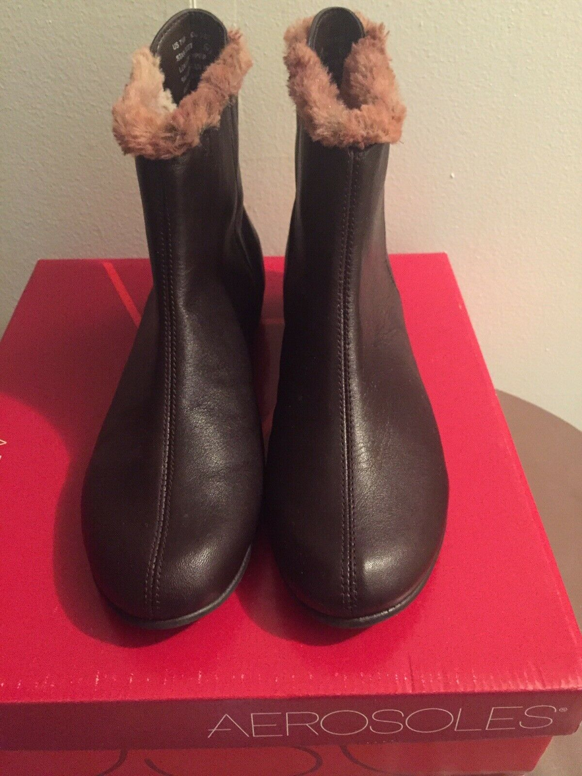 Aerosoles Womens Short Ankle Fur Lined Brown Boots Zip Up Sz 7.5 GREAT CONDITION