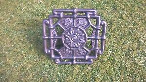Ornate-cast-iron-trivet-for-fireplace-or-range-with-adjustable-base-item-TV003
