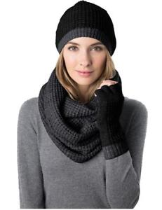 Snowflakes Are Everywhere Hat Scarf /& Glove Set Variety of Colors