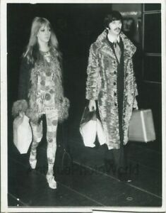 Ringo Starr with wife Maureen in fur coats vintage music ...