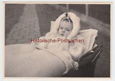 (F10773) Orig. Foto Zwenkau, Kleinkind Astrid im Kinderwagen 1960/70er
