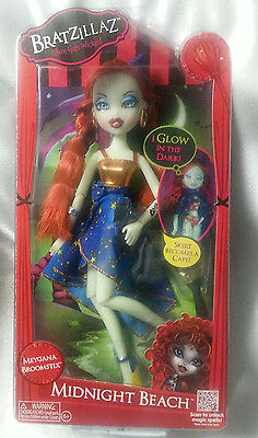 Bratzillaz Doll Midnight Beach Meygana Broomstix Glow Halloween Witch