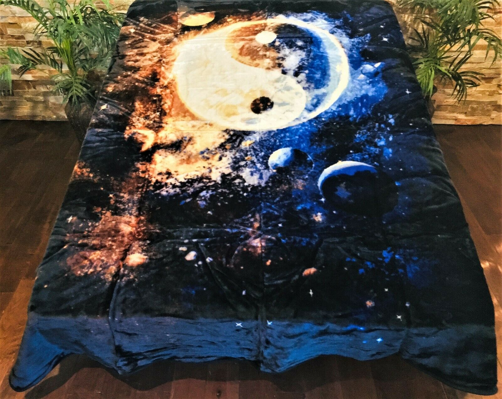 ☀️New  79x96 Luxury MEDIUM Weight Queen Blanket Solar System Ying Yang Universe