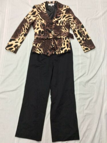 Suit Studio Size 8 Womens Pant Suit Animal Print