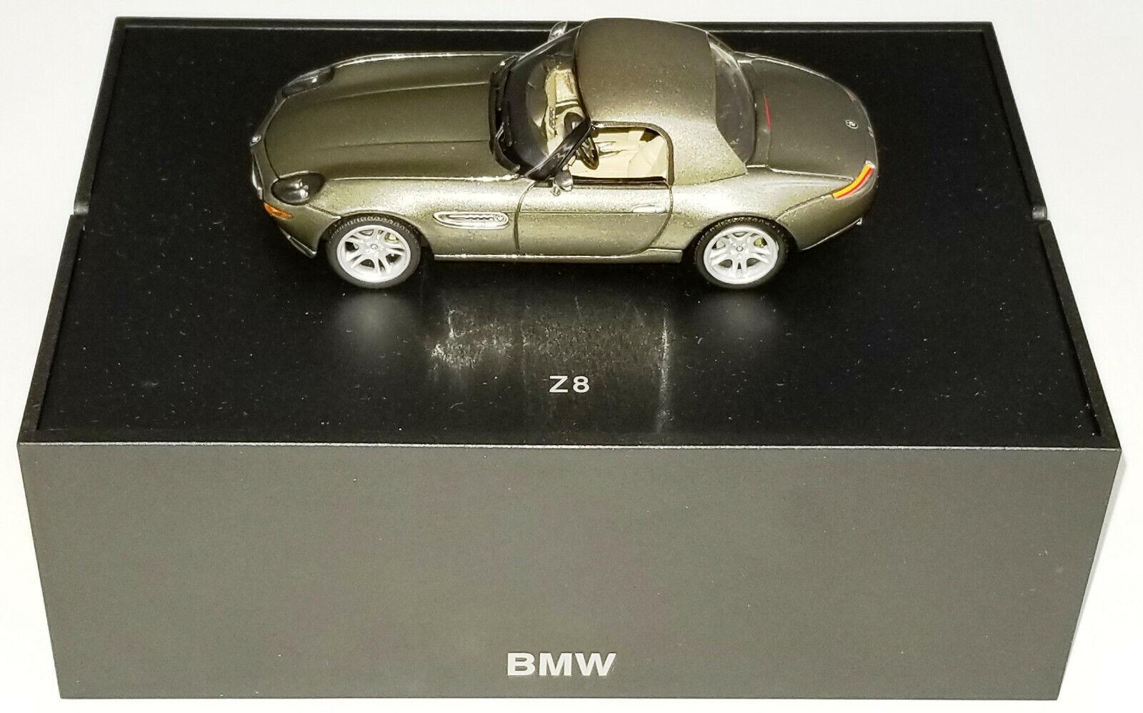 Minichamps 1 43 concesionario BMW Z8 Coupe Luz Marrón Bronceado Interior Flip Top En Caja