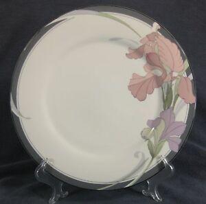 Noritake-Cafe-Du-Soir-9091-Dinner-Plates-New-Decade-Porcelain-Floral