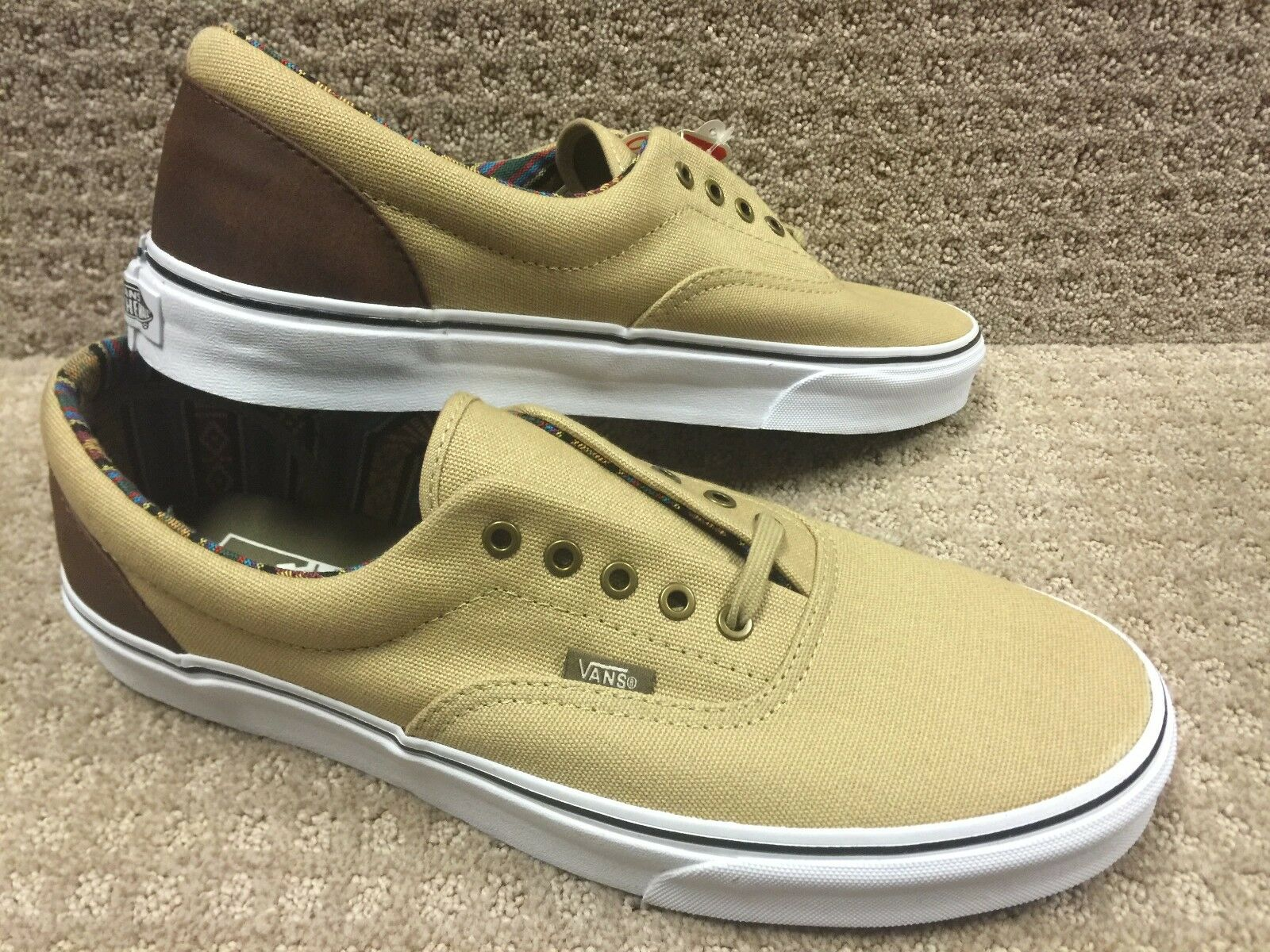 Vans Men's shoes  Era   -- (Indo Pacific) Khaki TrWht True White