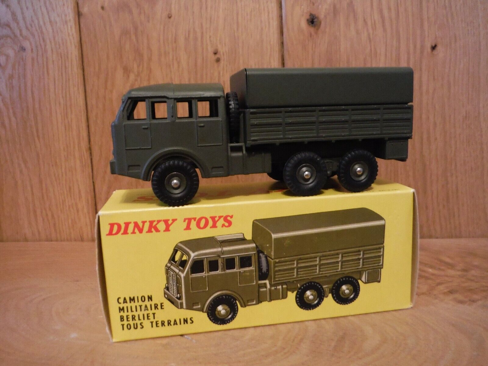 Camioneta tipo francés Dink 818 Perier
