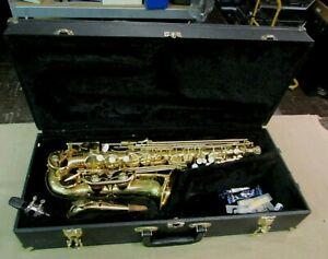 Buescher-BU-4-Saxophone-Alto-SAX-avec-etui-rigide