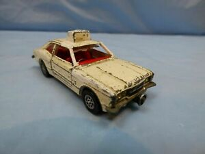 Vintage-Corgi-Toys-Whizzwheels-402-Ford-Cortina-GXL-Police-Car-White-Diecast-Toy