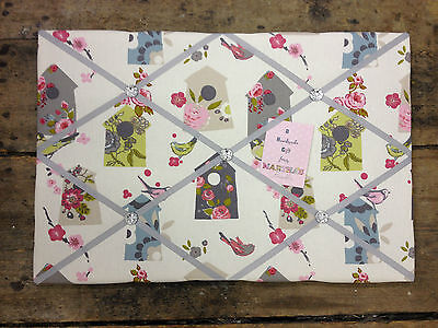 Clarke /& Clark Birdhouse Fabric Pin//Memo//Notice Board Cork LG 60x40cm Gift Birds