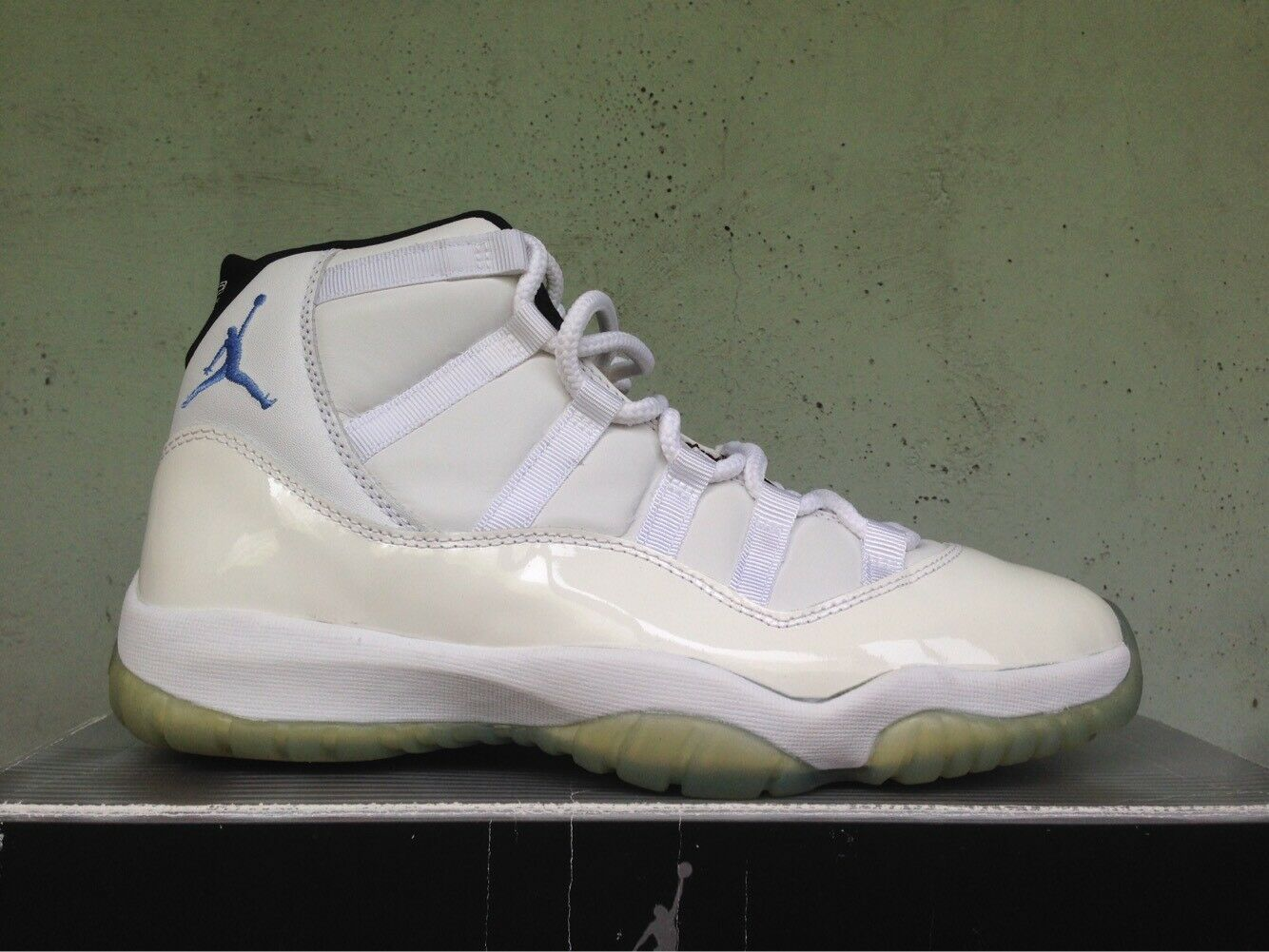 2001 nike air jordan 11 xi retrò columbia 136046 142 cool grey allevati concord