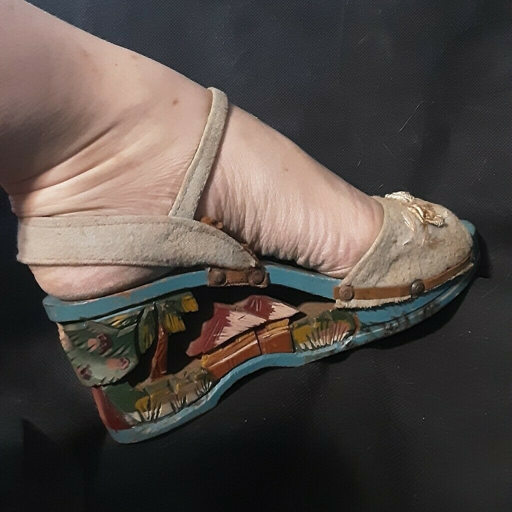 1940's Carved Wood Wedge Sandals from the Philipp… - image 8