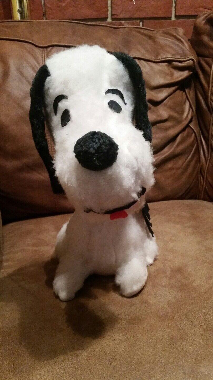 Vintage Snoopy Stuffed Animal Peanuts Charlie Braun dog cartoon character plush