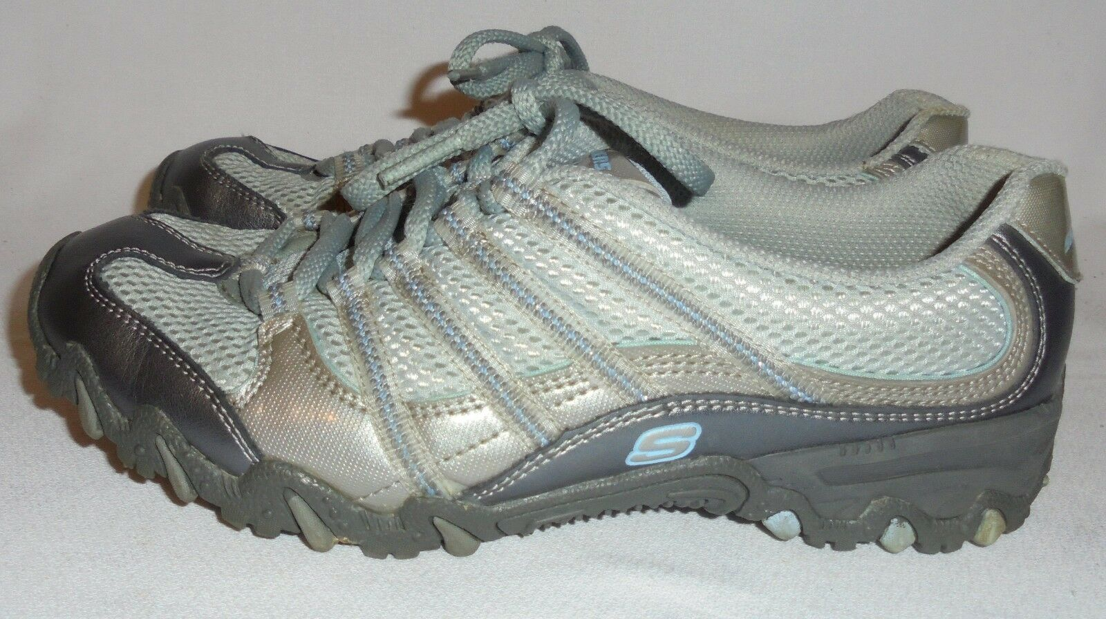 SKECHERS, LADIES GRAY LEATHER ATHLETIC SHOE, SIZE 6 1/2 M Seasonal price cuts, discount benefits