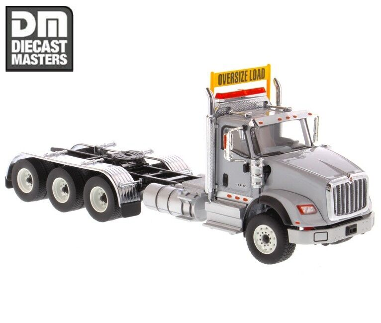 1 50 Diecast International International International HX620 Day Cab Tridem Tractor in Light Grey 71011 c68442