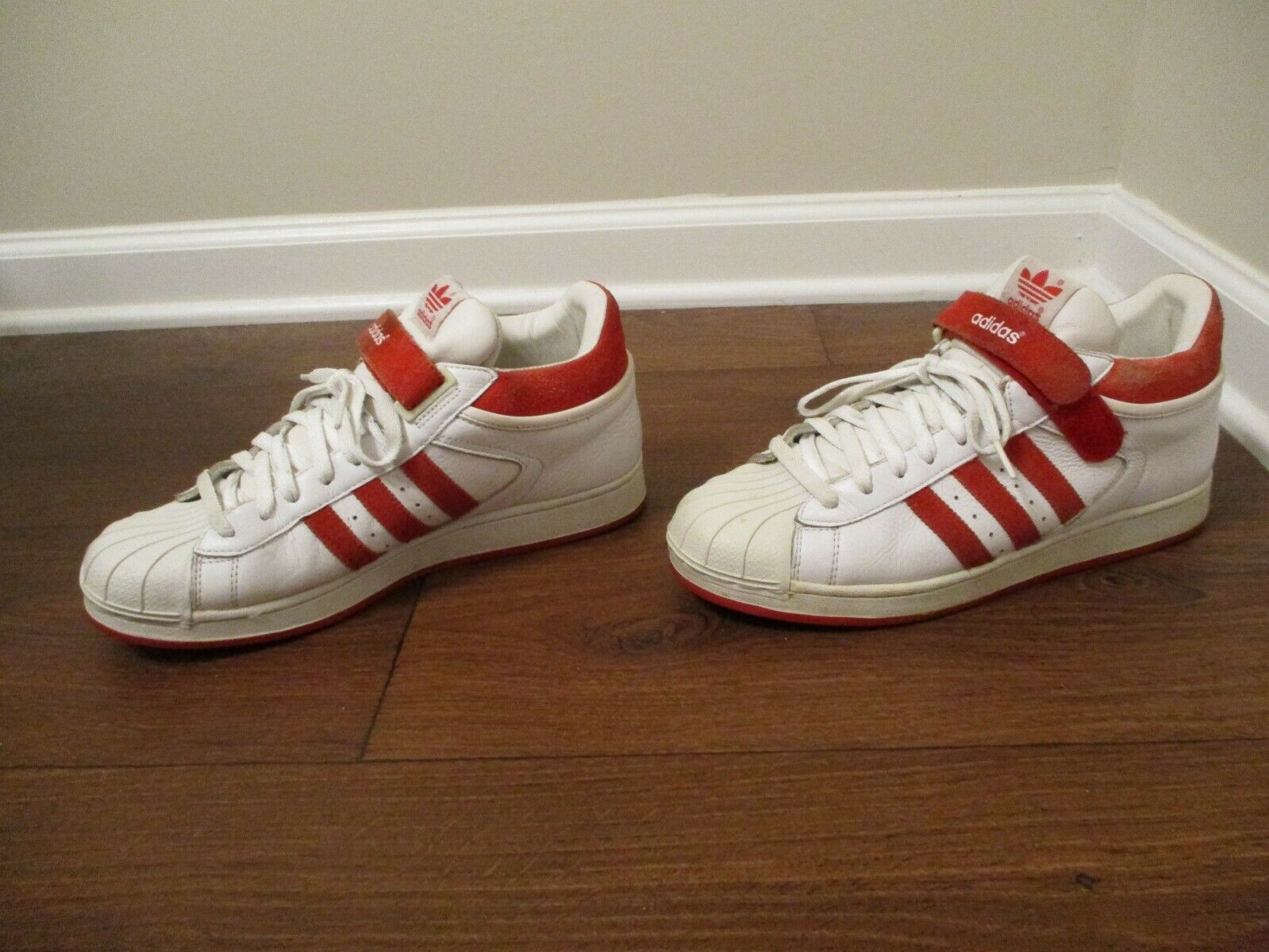 9ca7d241f66a9 Classic 2001 Used Worn Size 10.5 Adidas Proshell SD shoes White   Red